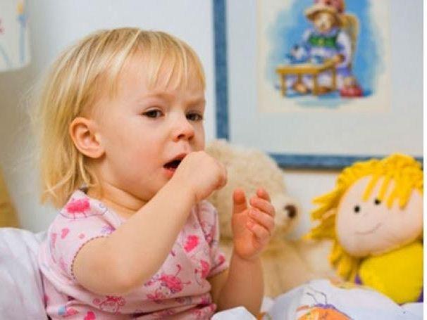 Когда кашель у детей лечить не надо: распространенные ошибки родителей