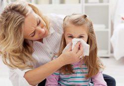 Особенности возникновения и признаки простуды у ребенка