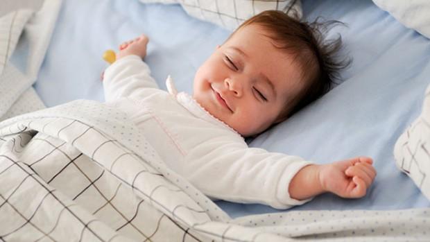 Медики определили, о чем думают новорожденные младенцы во время сна