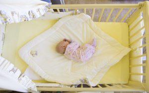 Как выбрать кроватку для новорожденного?