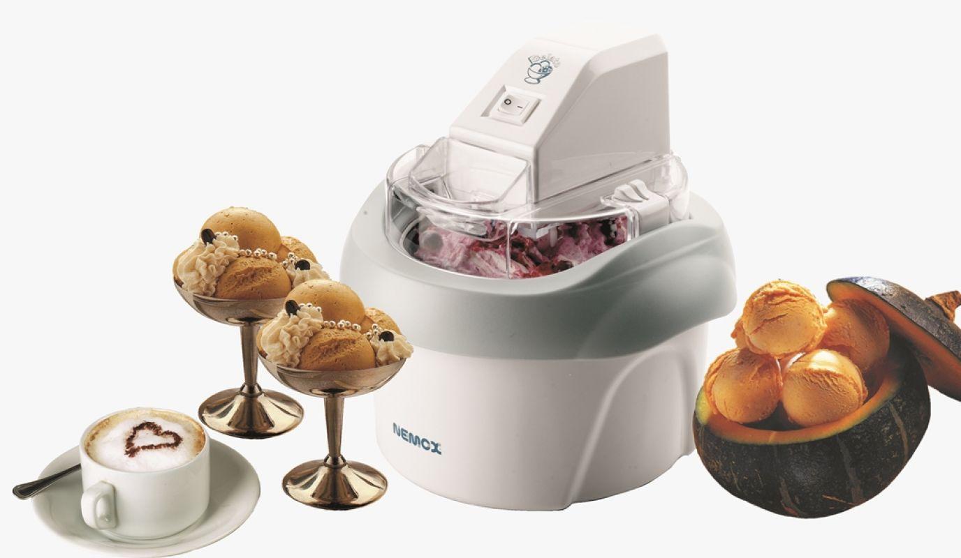 Любимое лакомство в домашних условиях с помощью мороженицы