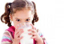 Определенные пробиотики помогут детям справиться с аллергией на коровье молоко
