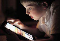 Использование гаджетов в темноте опасно для здоровья будущих детей
