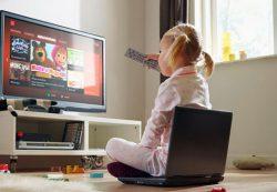 Просмотр телевизора вредит здоровью детей