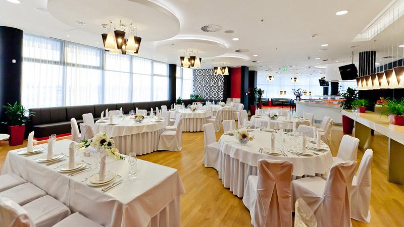 Супер-свадьба в супер-отеле Краун Плаза Аэропорт