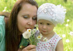 «Ребенок должен топать рядом с мамой, а мама должна читать ему стихи»