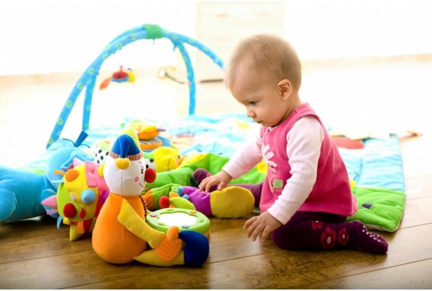 Выбираем правильную игрушку для малыша