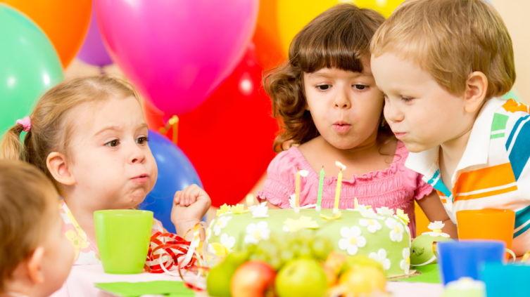 Начинка, украшения, коробка – как выбрать идеальный торт на детский день рождения?