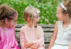 Как помочь ребенку преодолеть застенчивость?