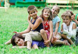Виды воспитания ребёнка в социуме