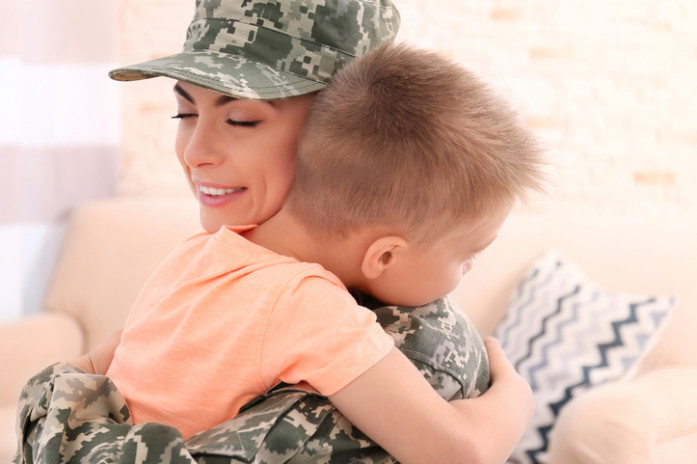 Разлука с мамой: как помочь ребенку