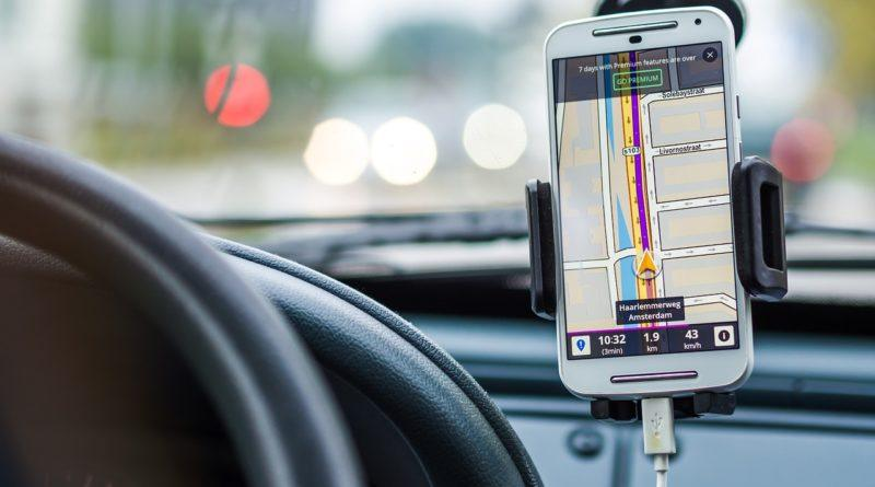 Выбор навигационных устройств для авто: программные средства