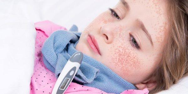 Как проявляется и лечится скарлатина у детей