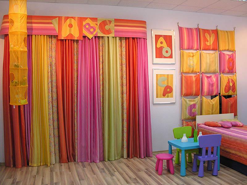 Как правильно выбрать шторы для детской?