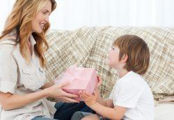 Какие подарки не стоит дарить детям