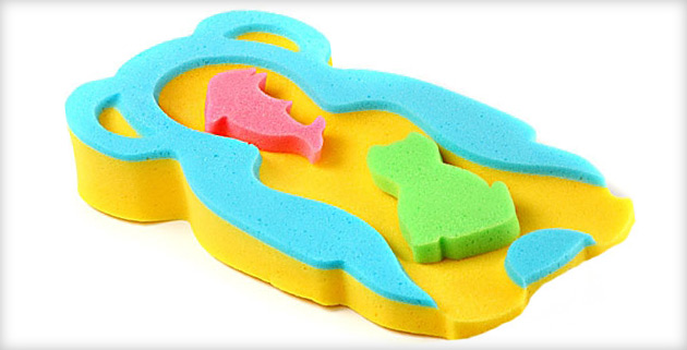 Горка для купания — с какого возраста нужна и какую лучше выбрать?