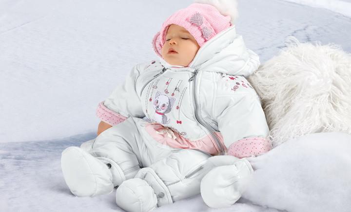 Во что одевать новорожденного зимой дома и на прогулку?