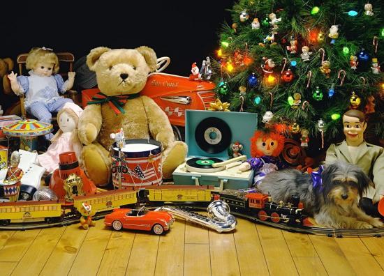 Подарки на Новый год детям. Детские подарки на День рождения. Какой выбрать и как купить