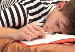 Как поддержать ребенка в лихорадке выпускного класса?