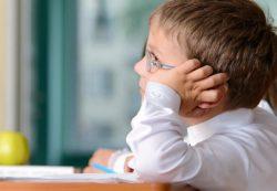 Детская депрессия: причины и лечение