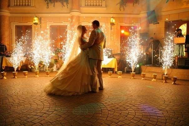 Первый танец — свадебный вальс