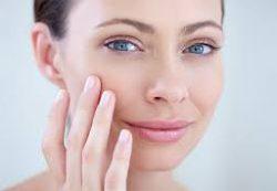 Советы по уходу за увядающей кожей и хитрости макияжа