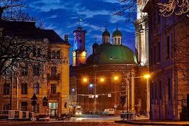 Почему непременно стоит посетить сказочный город Львов