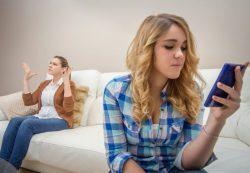 Зависимость от социальных сетей приводит к психическим проблемам у подростков