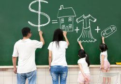 Почему нужно заниматься финансовым образованием ребенка и как именно это нужно делать.