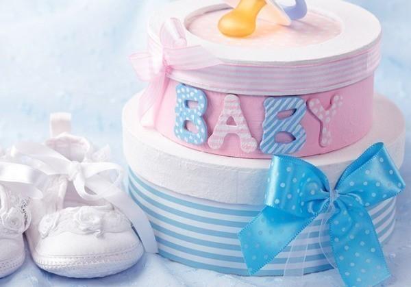 Что подарить новорожденному ребенку