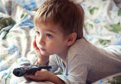 Воспитание «ящиком». Вреден ли ребёнку телевизор?