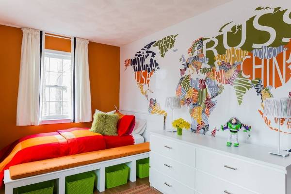 Яркие настенные наклейки в детскую комнату