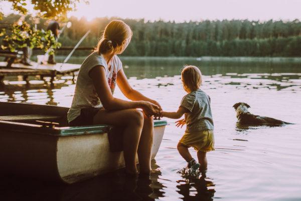 «Там мелко – что может случиться»: 6 правил для ребенка у воды