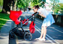 Что выбрать для ребенка: коляску-трансформер или коляску трость?