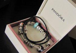 Шарм Pandora Pave с голубыми камнями — описание, где купить в Украине