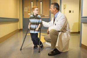 Детские болезни: болезнь Пертеса — причины, симптомы, лечение