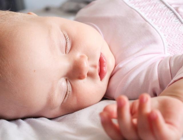 Острые боли в животе у ребенка