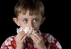 У ребенка идет кровь из носа: причины