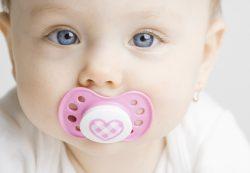 Как правильно выбрать и ухаживать за детской соской
