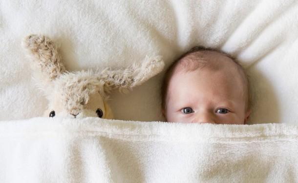 Кризис сна в 4 месяца: почему ребенок не спит ночью