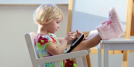 Как отучить ребёнка от планшета?