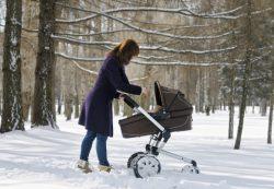 На что обратить внимание при выборе зимней коляски?