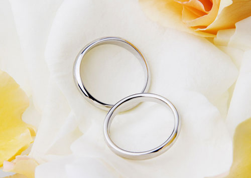 Золотое кольцо. Кольцо из белого золота: Новый взгляд на день свадьбы