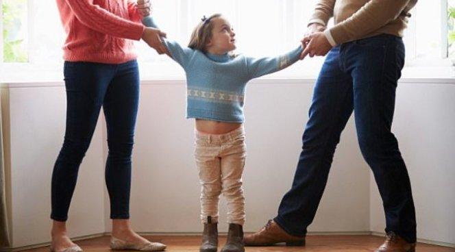 Совместная опека над ребенком после развода признана самой полезной
