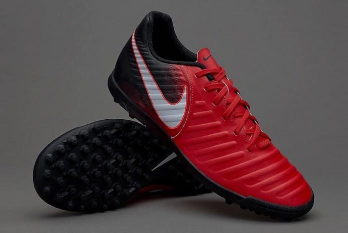 Красные сороконожки Nike Tiempo