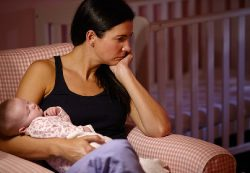 Депрессия матери влияет на ребенка