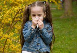 Зеленые сопли у ребенка: заразны или нет?