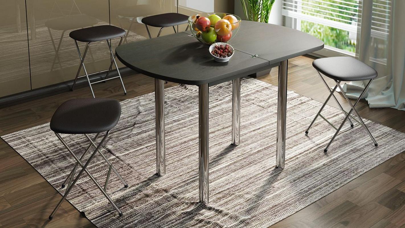 Металлические или деревянные столы для гостиной?