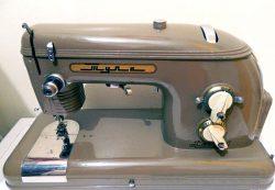 Классификация швейных машинок. Что надо знать.