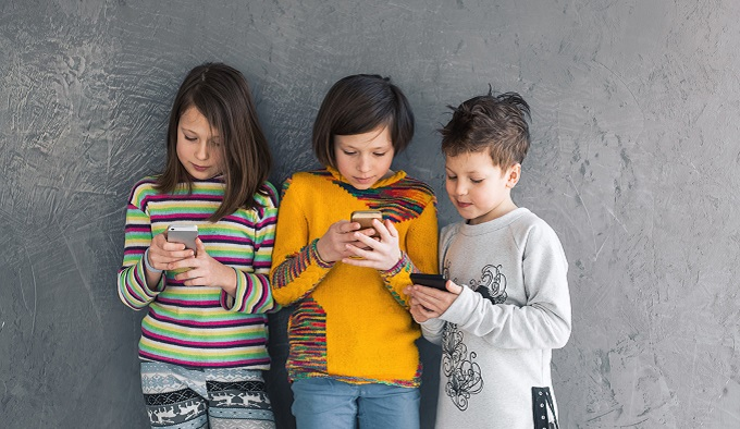 Смартфоны делают детей забывчивыми